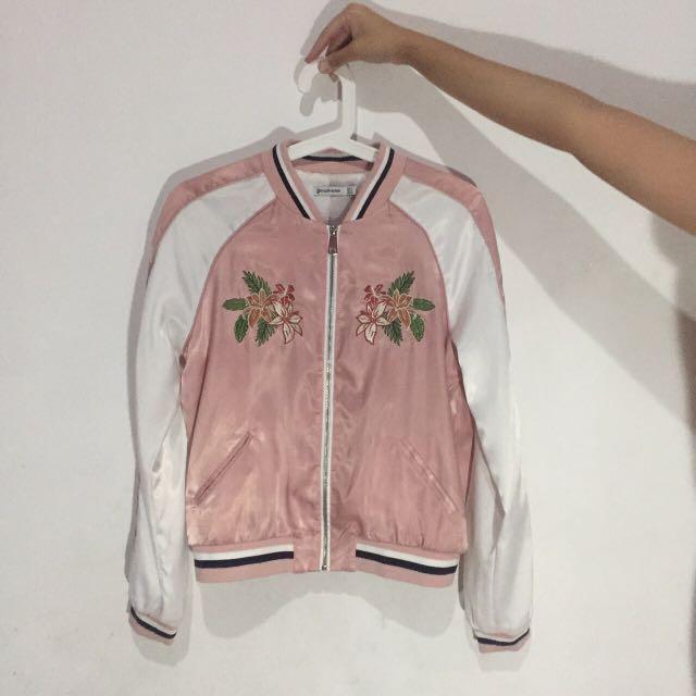 floral embroidered pink bomber (Stradivarius)