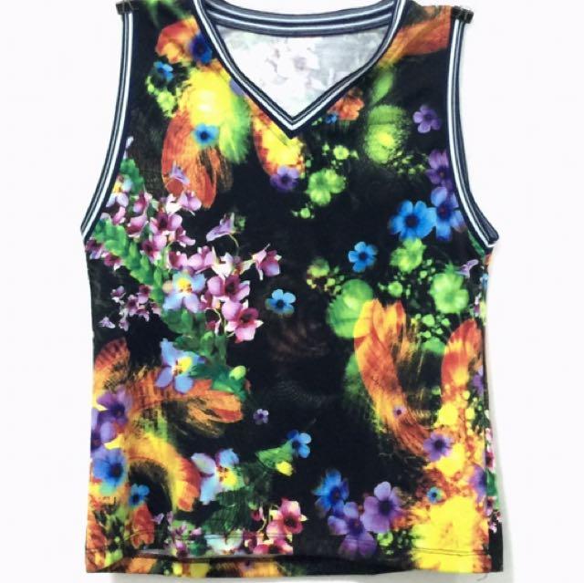 Floral Sleeveless Shirt (V-neck)