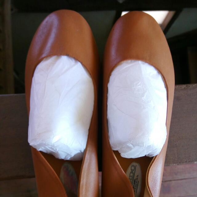 Marikina Flats Tan
