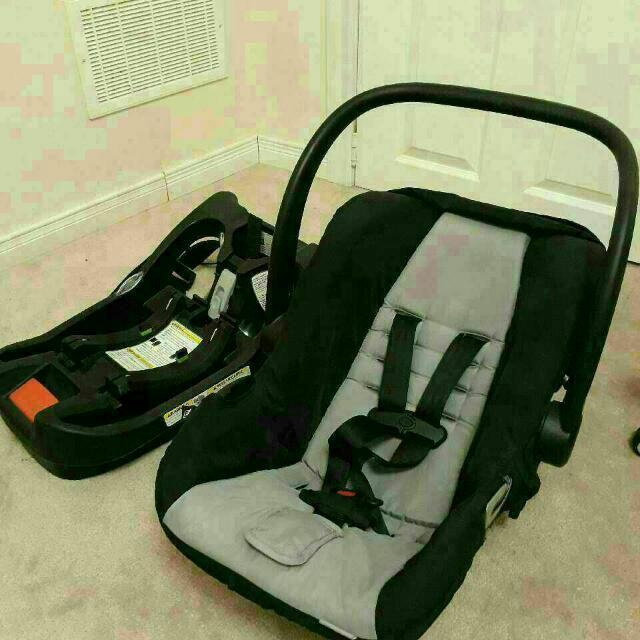 New Urbini Car Seat with Base