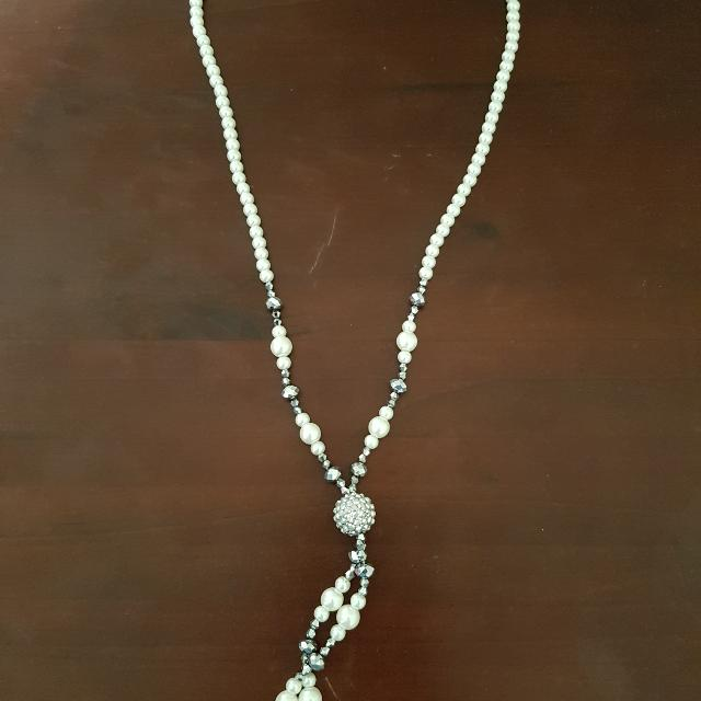 Pearl White And Silver Chain
