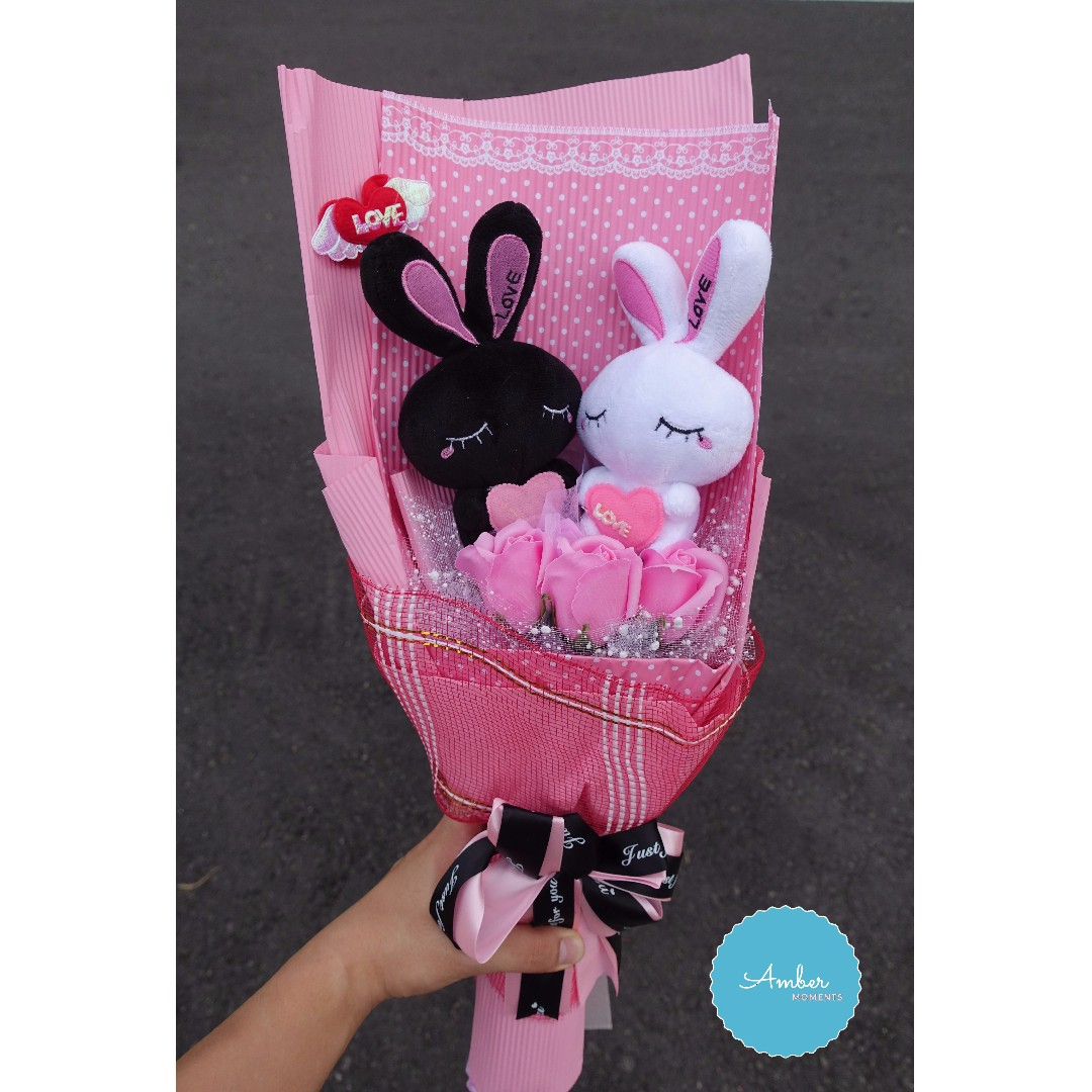 PLUSHIE BOUQUET WITH FREE GIFTS: DELIVERY WITHIN 24HRS