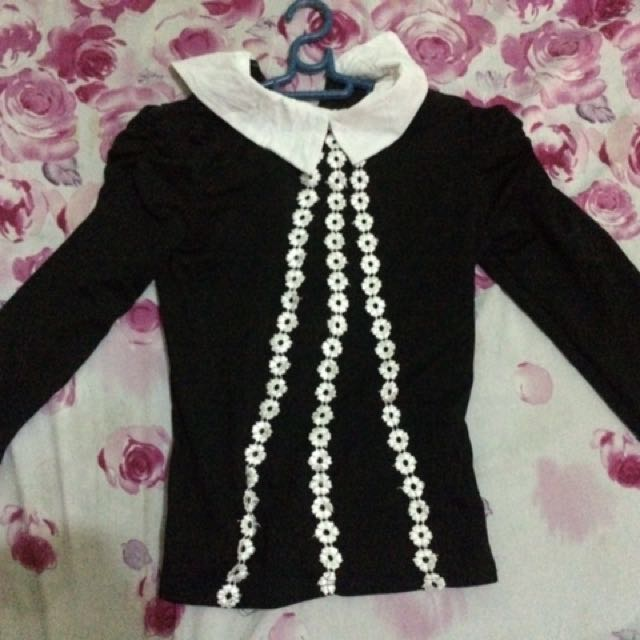 Pre-loved black with white designs office long-sleeves blouse