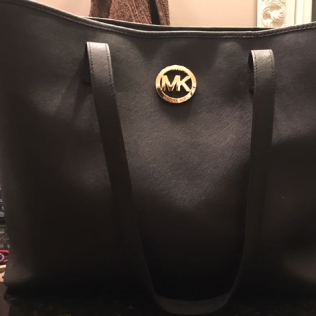 REDUCED 100% Authentic MK Tote