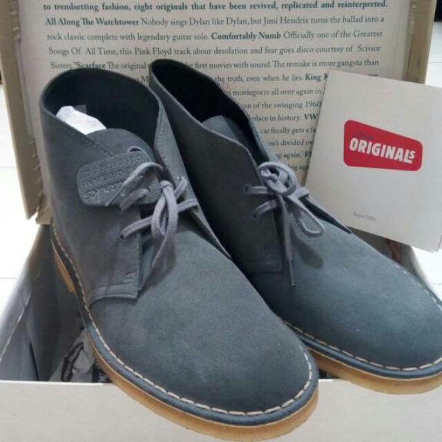 Sepatu Clark's