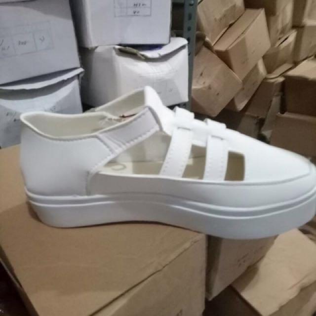 sepatu platform flatform putih