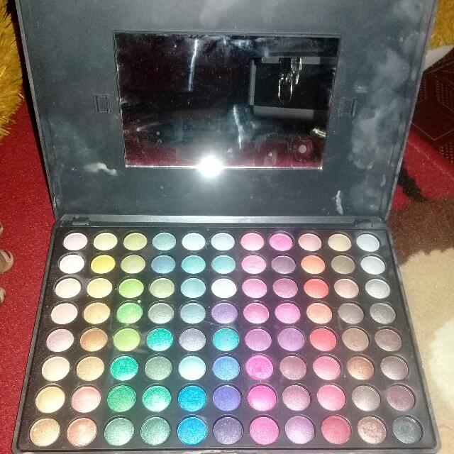 Shadow ULTRA SHIMMER PALETTE Masih Penuh