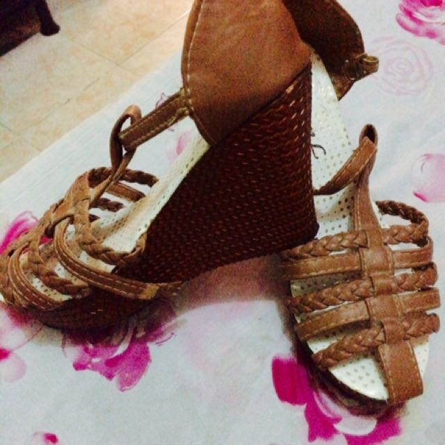 Slightly-used Brown Wedge sandals Size 5