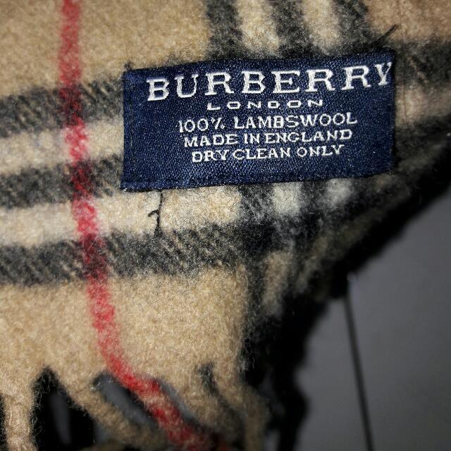 Syal Burberry