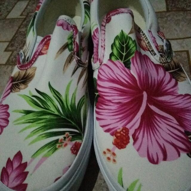 "Vans Classic Slip on ""Hawaiian Floral"""