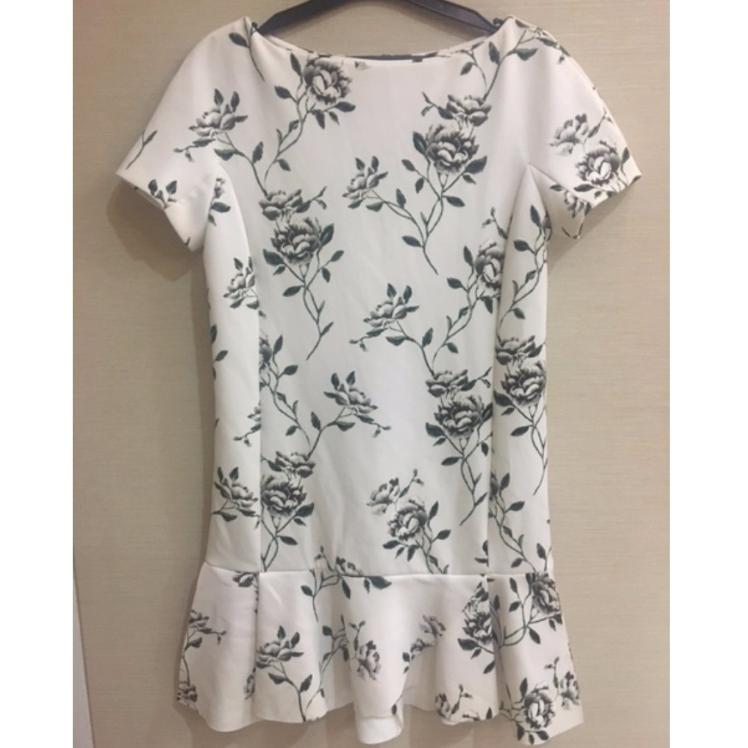 Zara Basic White Floral Dress size S