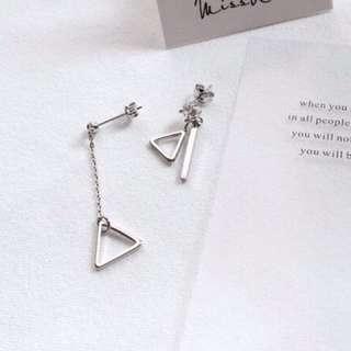 三角造型不對稱耳環