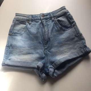 Woman's WRANGLER Pin Up Denim Shorts