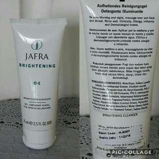 JAFRA Brightening Cleanser