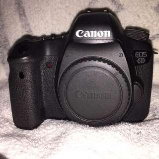 ** MINT Canon 6D (body) full frame camera **