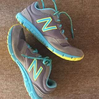 US size 8, UK size 6 New Balance Running Shoes