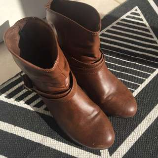 American Brand (Lower East Side) US Size 7 Brown Boots