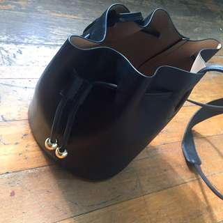 Mango Bucket Bag