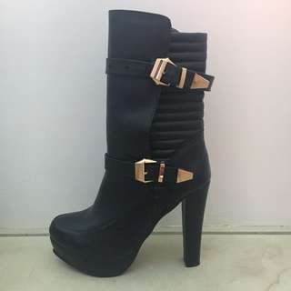 Postage Incl - Black Heeled Boot