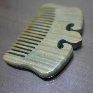 🚚 綠檀木梳子
