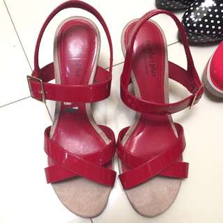 wedges pendek