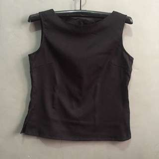 Epinarl Black Sleeveless / Vest