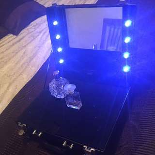 Make Up Case With Hollywood Lights