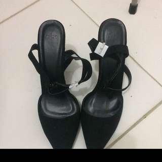 Black Shoe The Executive