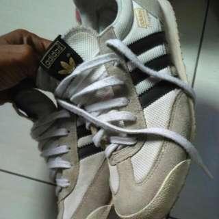 Dijual 2 Sepatu Adidas Original Made In Indonesia Mumer