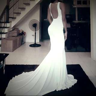Bodycon Backless White Gown