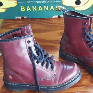 Trendy Ladies Distressed Burgundy Doc Martins Sz 6 Never Worn