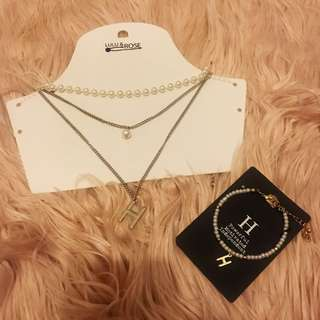 PEARL NECKLACE AND BRACELET SET