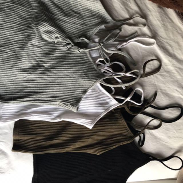 4x Basic Tie Up Singlets