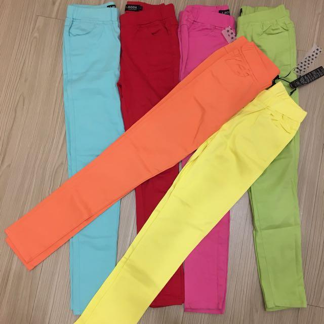 6件窄管褲一起賣,黃、橘全新,其他8成新