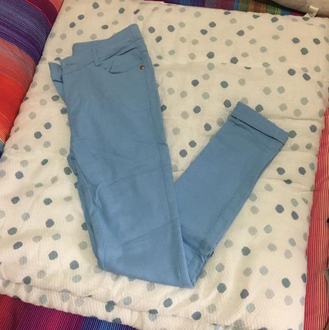 淺藍緊身褲