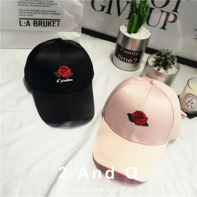 春夏爆款玫瑰刺繡緞面老帽