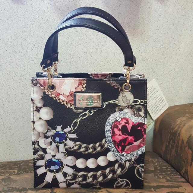【櫃子吐了大出清】日本帶回全新 限量款 mieux'un 閃耀寶石圖紋印花手提包 Longchamp Miu Miu Prada 可參考