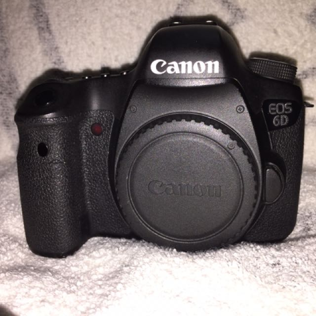 ** MINT Canon 6D (body) full frame camera **