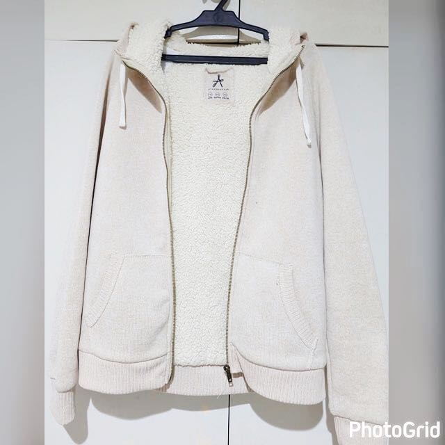 Atmosphere Women's Sweater/Hoodie