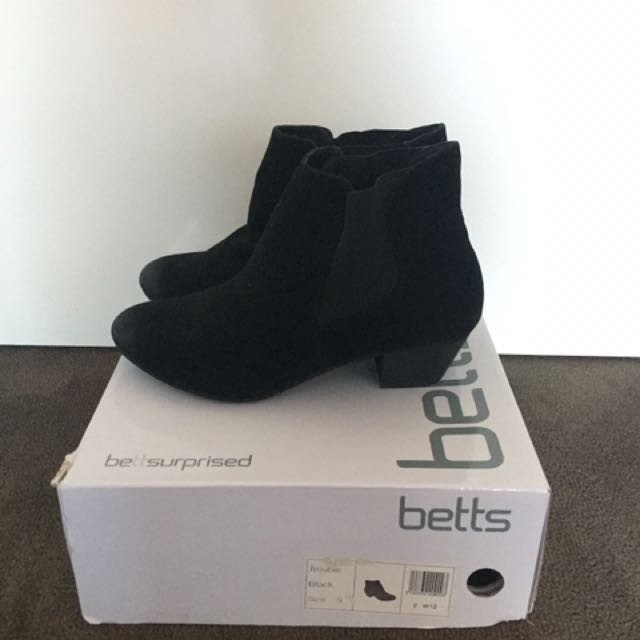 Betts Boots With A Small Heel