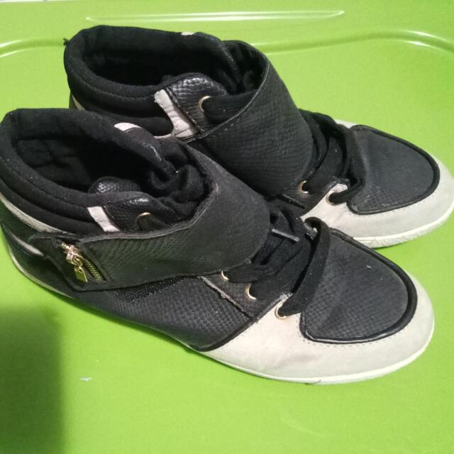 Call It Spring SNEAKERS Size 7