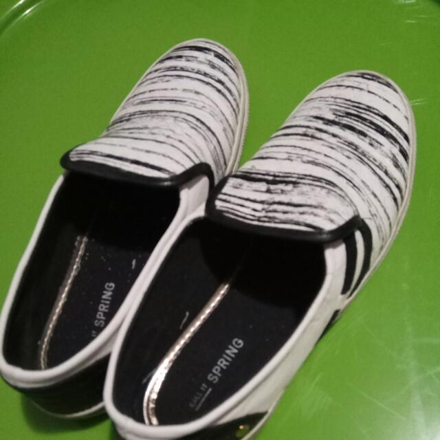Call It Spring Summer SNEAKERS Size 7