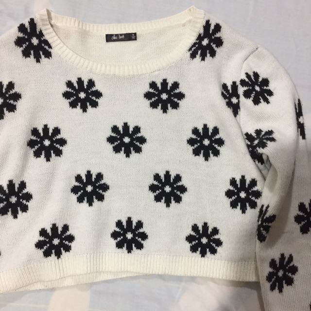 Cropped Chicabooti Sweater