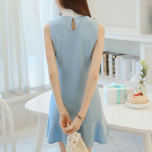 Frill Collar Ruffle Hem Colourblock Sleeveless Dress (Sky Blue & White) - Size S
