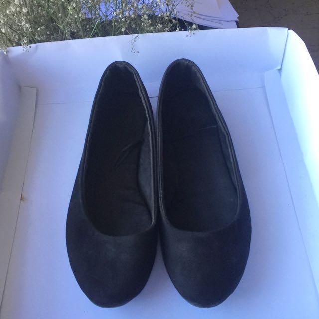 H&M Black Flat Shoes