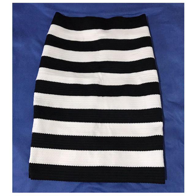 Pencil-cut Skirt