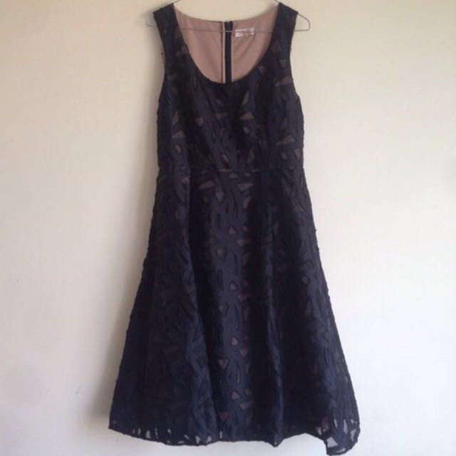 PORTMANs SIGNATURE Black Dress