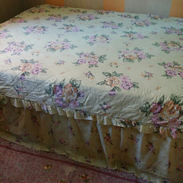 Preloved Sprei