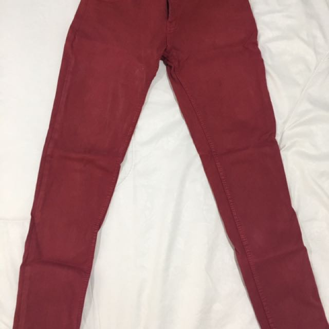 red jegging pants