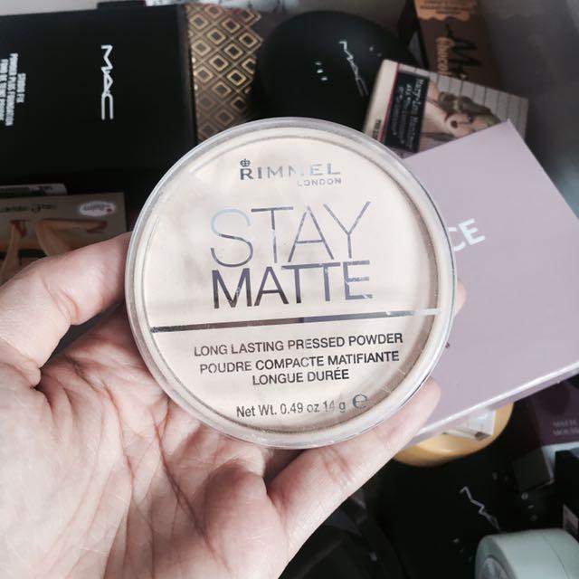 Rimmel Stay Matte 001 transparent